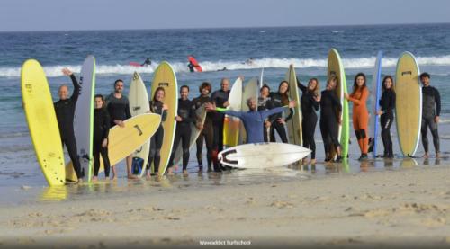 Escuela de Surf y PaddleSurf en Barcelona | WAVEADDICT